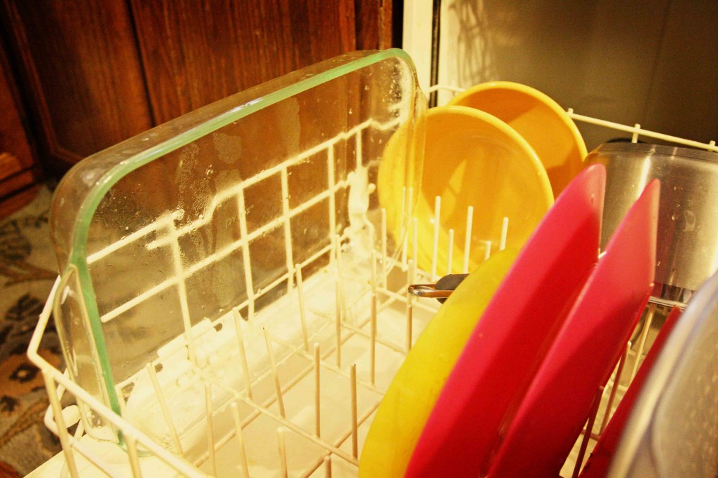 5 Tips To Make Dish Washing Easier The B Keeps Us Honest